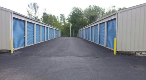 Outdoor storage units with drive-up access