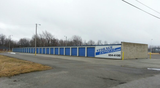 Street view of storage facility in Frankfort