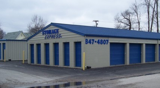 Storage units of varying sizes