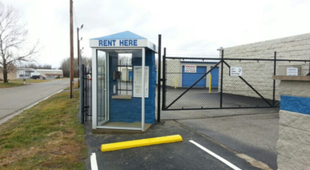 Storage unit rental booth