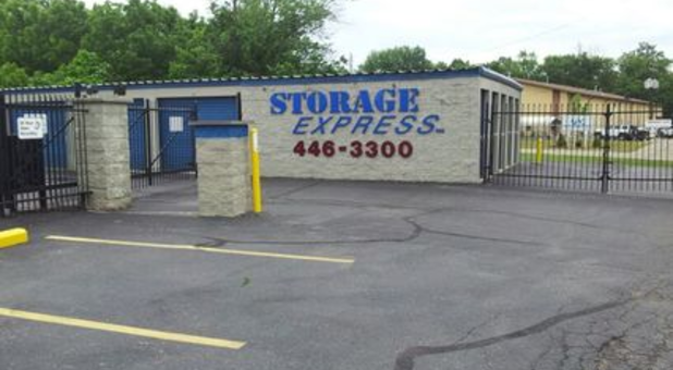 Building with sign that says Storage Express 446-3300